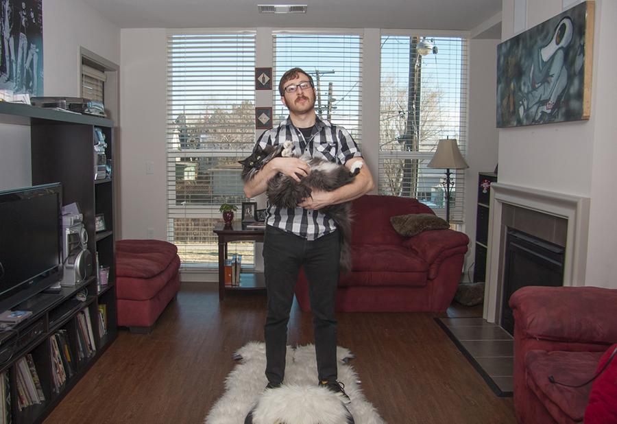 mačka i muškarac - slika 2